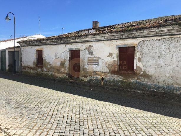 Moradia Na zona central de Vila Nova de São Bento, Concel...