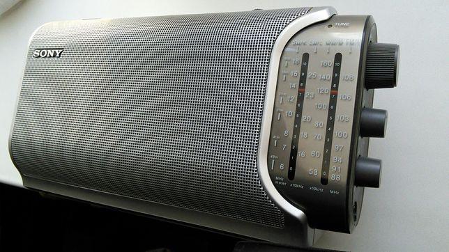 Радиоприемник Sony ICF-904L