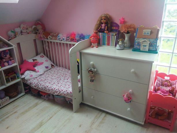 Zestaw mebli komoda łóżeczko plus materac stan idealny