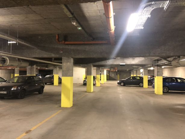 Tani parking Poznań. Hala garażowa. Fv VAT