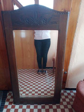 Stare duże lustro