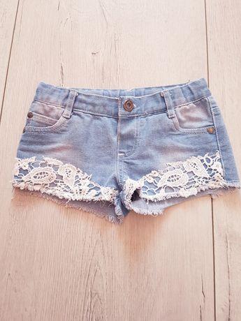 Spodenki jeansowe z koronką r.104