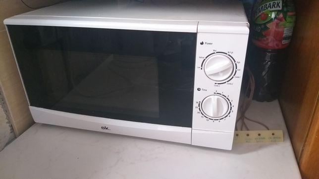 Mikrofala, kuchenka mikrofalowa OKI używana biała