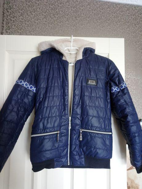 Куртка женская, подойдет для подростка