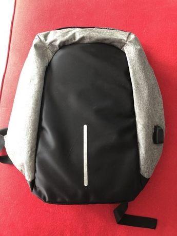 Plecak antykradzieżowy XD Design Bobby.