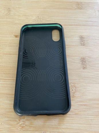 Capa iPhone X Preta Mous