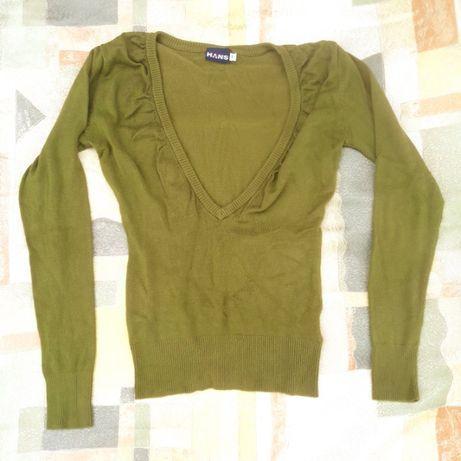 Zielony oliwkowy sweter S / M duży dekolt oryginalny na top