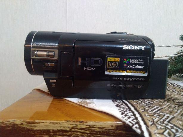 Продам видеокамеру Сони HDR-HC9Е