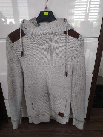 Prześliczny męski sweterek nowy