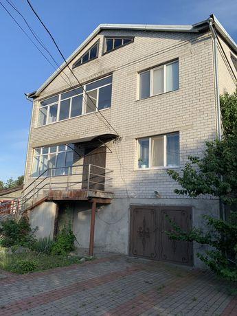 Продам дом в Миргороде на берегу реки