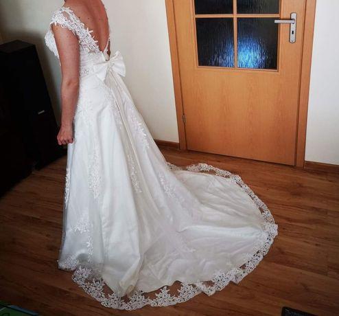 Suknia ślubna koronka i gipiura