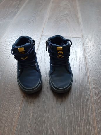 Продам ботинки Reserved