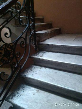 N Продам комнату в коммуне с 1 соседкой на Пушкинской