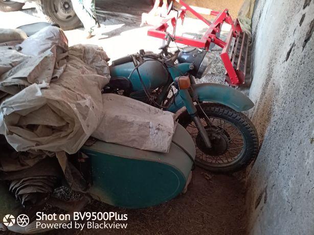 Продам мотоцикл МТ9