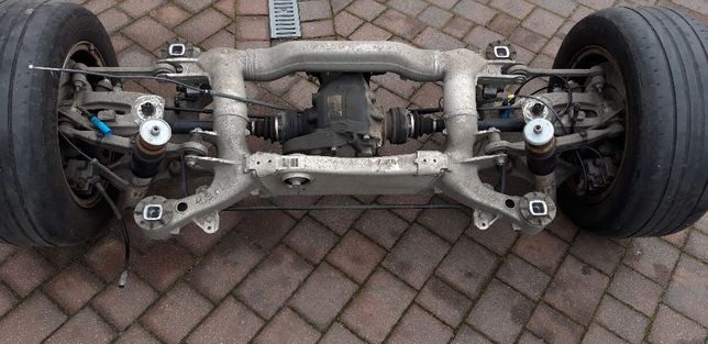 BMW E61 LIFT 2.0d 177KM sanki zawieszenie tył