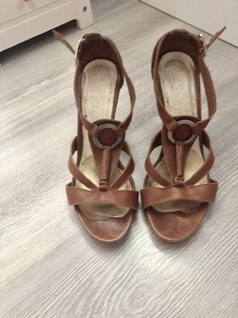 Skórzane buty sandały Kotyl na paski polskie