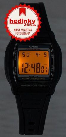 Часы CASIO с цифровой индикацией и подсветкой