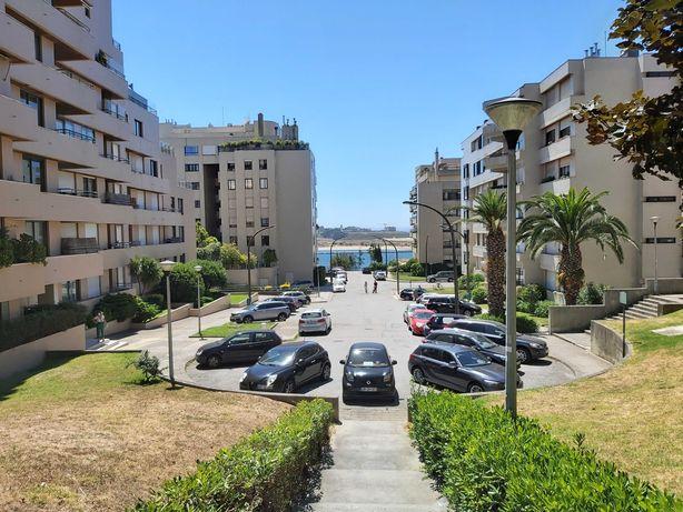 Apartamento T2 Foz do Douro / Universidade Católica sobre o Mar