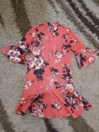 Плаття нове дуже гарне