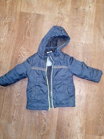 Продам 3 куртки на мальчика рост 86