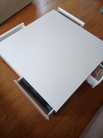 Duży biały stolik kawowy