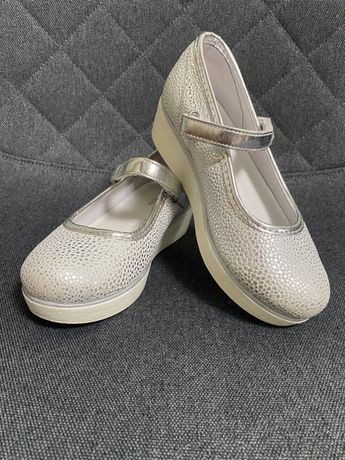 Білі шкіряні туфлі на платформі /Белые кожанные туфли на платформе