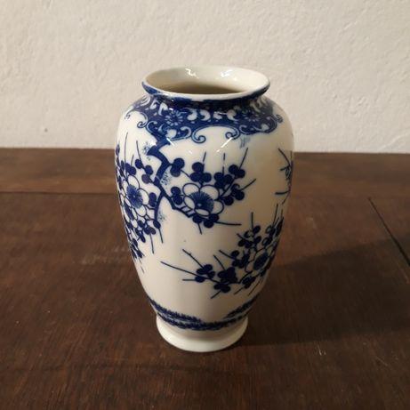 Wazon porcelanowy japoński, kobaltowy, kwitnąca wiśnia