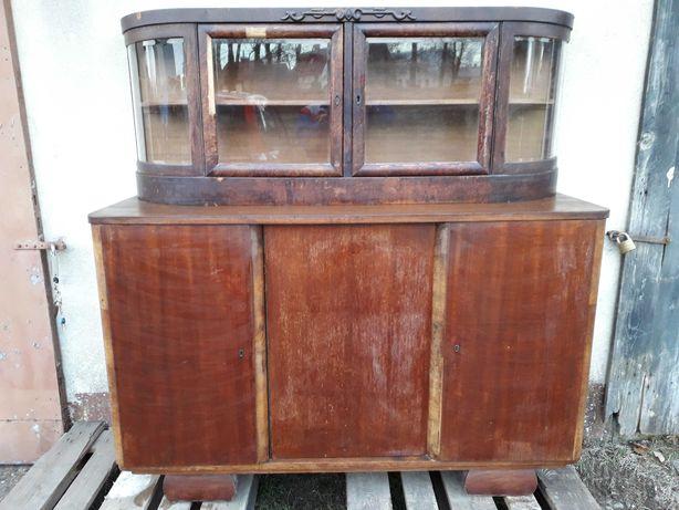 Stary kredens do salonu