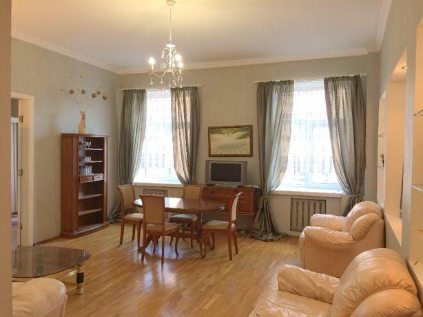 Прекрасная квартира с видом на Софию Киевскую и Золотые ворота.