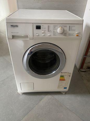 Продам стиральную машинку Miele