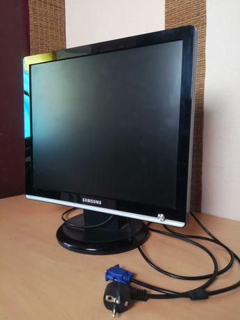 Монитор LCD Samsung C931 (4:3)