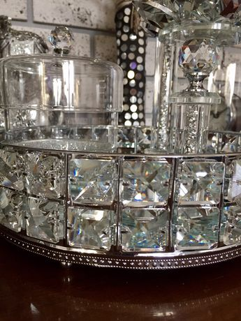 Taca lustrzana metalowa z kryształkami srebrna błyszcząca glamour nowa