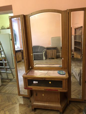Продам антикварні меблі