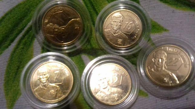 Monety z piłkarzami z żabki