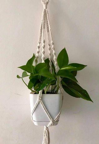 Kwietnik wiszący makrama ze sznurka na kwiaty