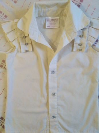 Блузка для девочки 116-128см 150руб.