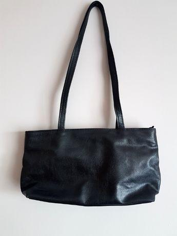 torebka damska czarna a'la skóra skórzana jamnik retro vintage basic