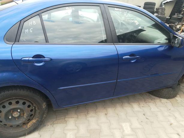 Mazda 6 drzwi  bez rdzy ładne do założenia