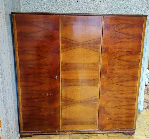 Стенка шкаф в хорошем состоянии без пятен и запахов