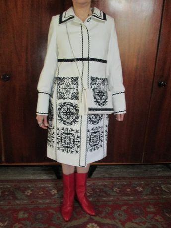 Свадебное пальто!Белая вышиванка +клатчик р 46 цена по договоренности