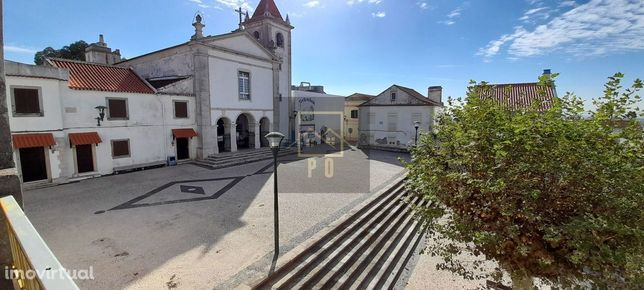 Prédio Para Venda Junto à Igreja da Atalaia, Montijo.