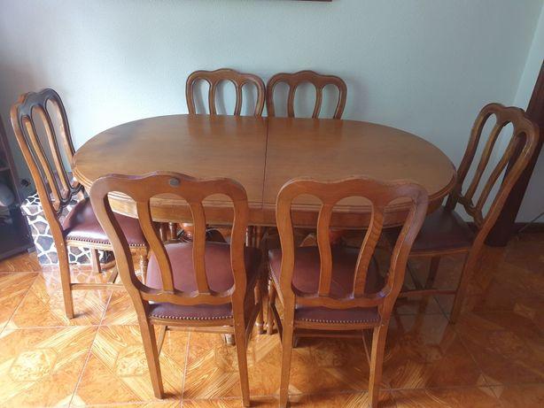 Mesa de jantar extensivel com 6 cadeiras