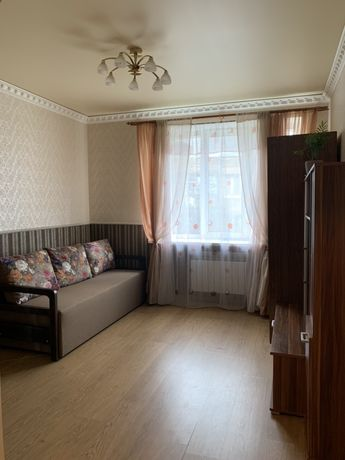 Комната в 2-х комнатной квартире девушке м. Дорогожичи