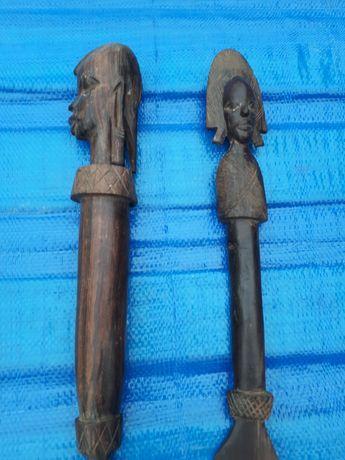 Afrykańskie drewniane miecze,