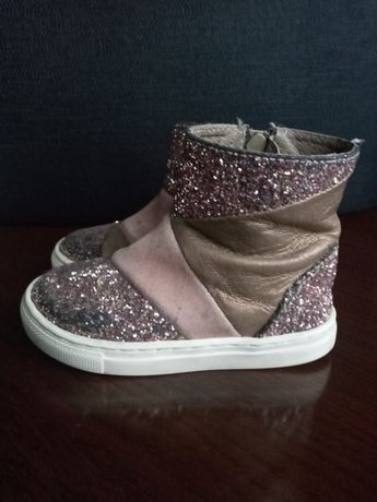 Взуття демісезонне для дівчинки 23 р.