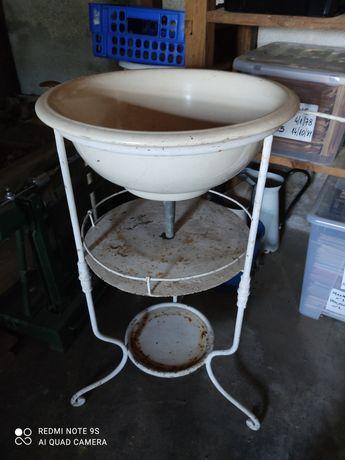 Lavatório antigo esmalte branco com suporte 3 pés