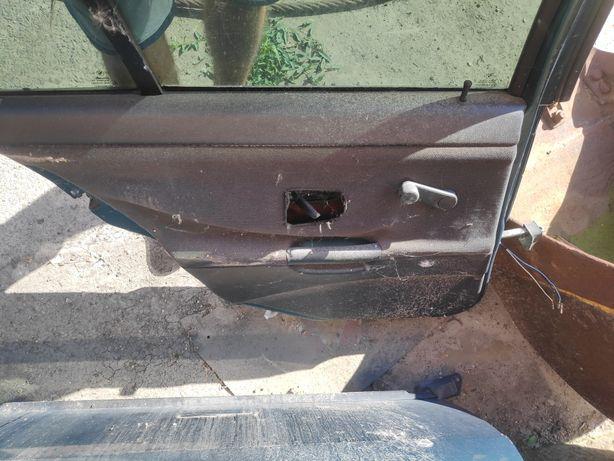 Двері люк кишка багажника BMW e36 седан