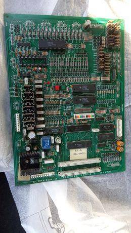 транзистори, радіодеталі. Плата головна до ігрового автомата