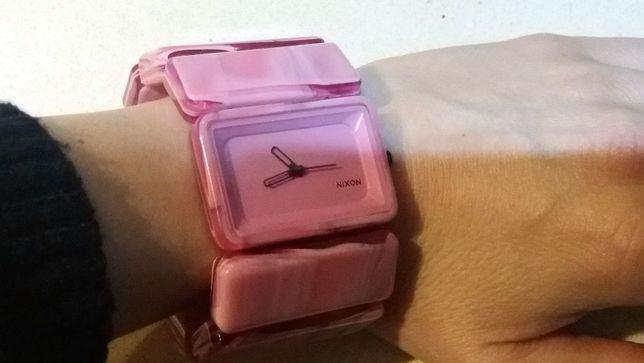 Relógio rosa NIXON