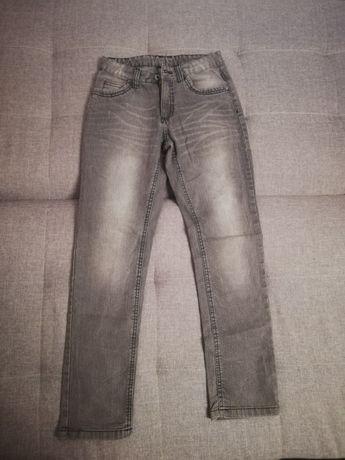 Spodnie dżinsowe rozmiar 140